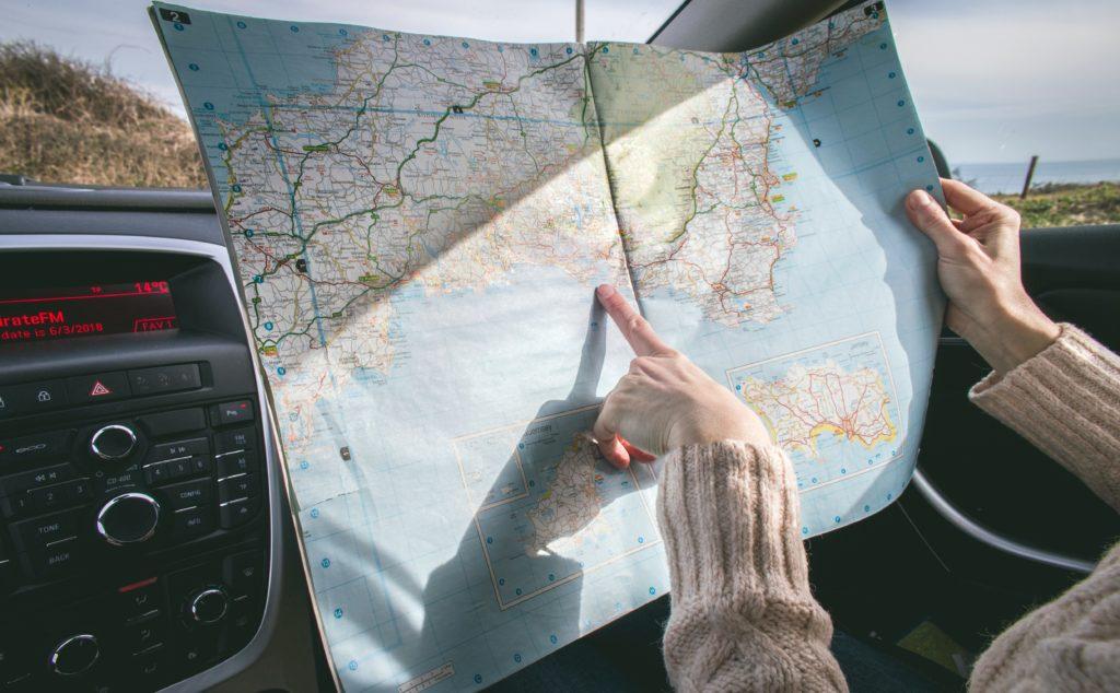 Chystáte se na dovolenou do zahraničí? Pak je namístě uvažovat o pojištění zavazadel, které lze sjednat k povinnému ručení i havarijnímu pojištění.