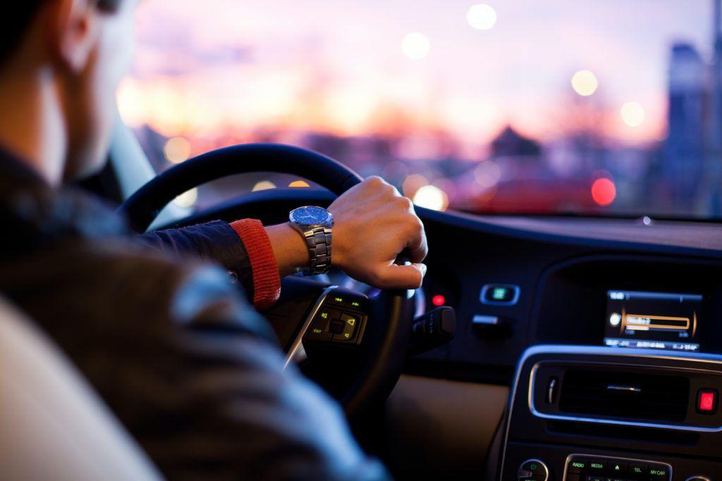 Povinné ručení musí mít každé vozidlo zapsané v registru. Online sjednání povinného ručení šetří peníze, čas i starosti.