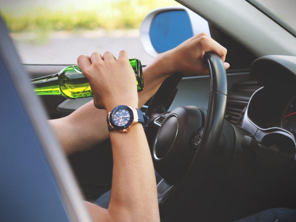 Mezi výluky z povinného ručení patří například škody, k nimž došlo při jízdě pod vlivem návykových látek, bez řidičského oprávnění nebo bez platné technické kontroly.