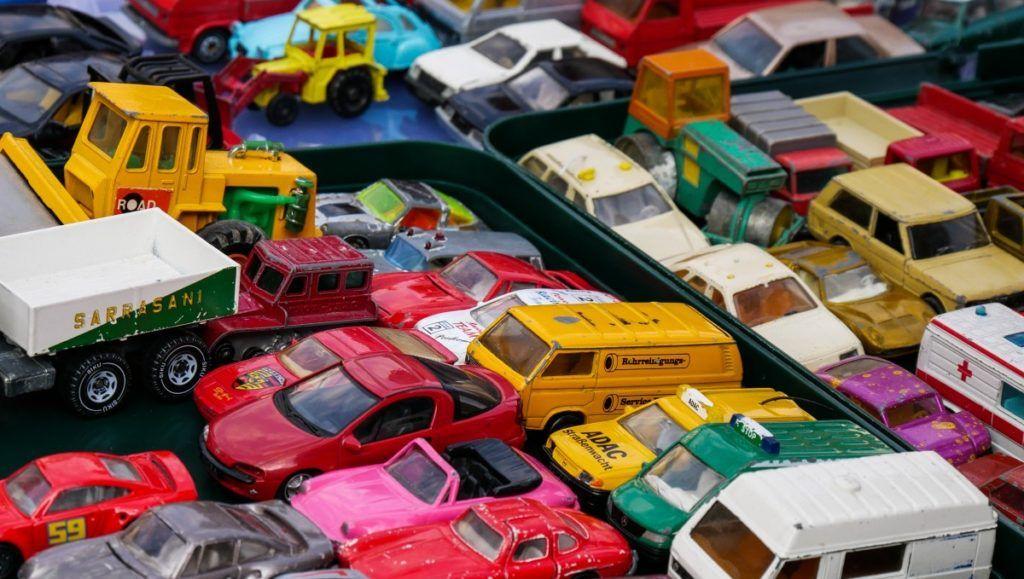 V případě prodeje vozidla do autobazaru za případné skryté vady ručí právě autobazar, navíc je zde možná okamžitá výplata peněz.